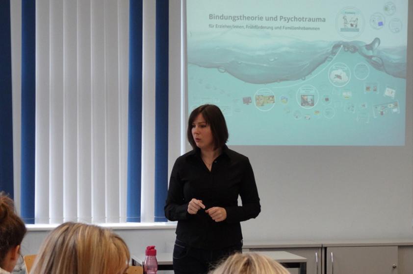 Fortbildungsreihe Bindung und Trauma für Fachkräfte, Referentin Anke Weismantel